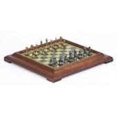 Florentine Staunton Chessmen & Classic Pedestal Board